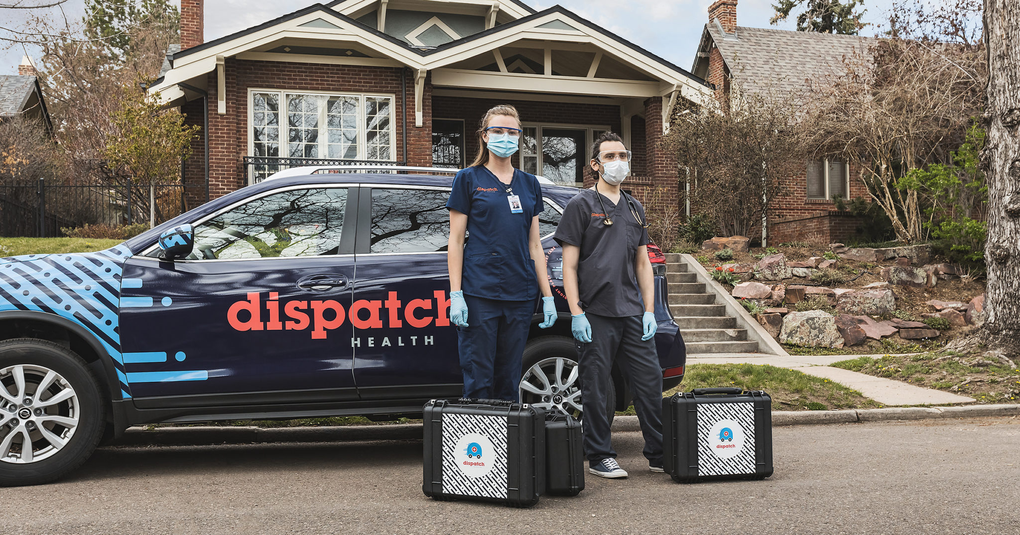 dispatchhealth caregivers arriving at a clients home